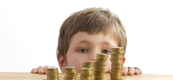 При отсутствии мест в детском саду мамы могут рассчитывать на денежную компенсацию
