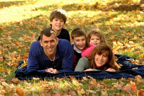 Ежемесячные детские пособия до 18 лет – это материальная выплата, которая предоставляется семьям, имеющим статус малоимущих