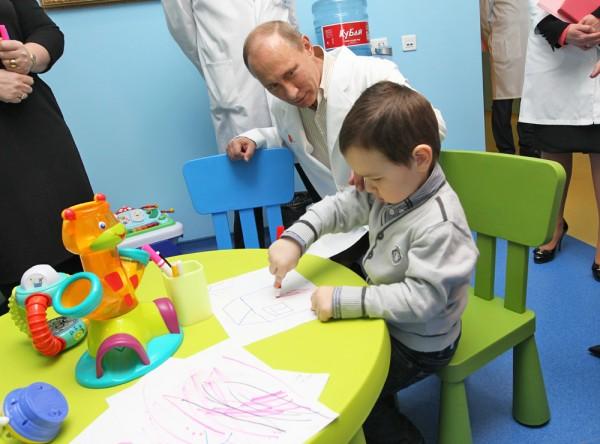 По закону каждый ребенок-инвалид может рассчитывать на материальную и натуральную поддержку от государства