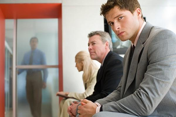 Молодой специалист – это гражданин РФ, который получил высшее либо среднее образование , и направившийся на устройство на работу